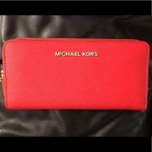 🔥EUC !! Michael Michael Kors Jet Set Wallet !!